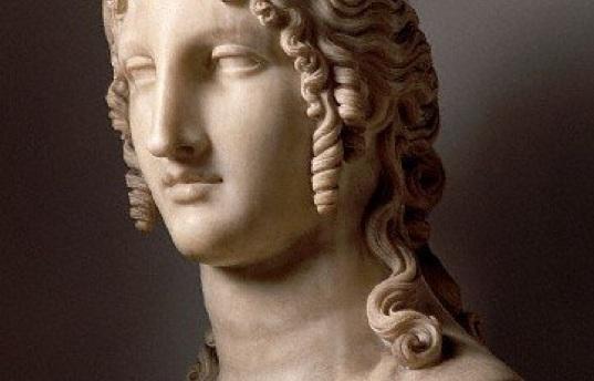 Bust of Helen of Troy by Canova in the Copenhagen Museum