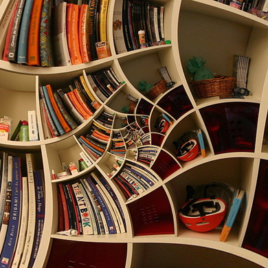 estante-de-livros-ao-estilo-escher